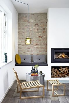 Get More Redoubtable Scandinavian Living Rooms Fireplace Ideas. 43 Amazing Fireplace Ideas For Scandinavian Living Rooms Choosing to include a Scandinavian Living Space to your house can provide y. Best Living Room Design, Living Room Modern, Living Room Designs, Living Room Decor, Living Rooms, Home Fireplace, Living Room With Fireplace, Fireplace Design, Fireplace Ideas