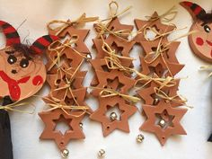 hvězdička s rolničkou Christmas Arts And Crafts, Christmas Projects, Merry Christmas, Xmas, Christmas Ornaments, Ceramics Projects, Clay Projects, Clay Ornaments, Salt Dough