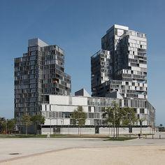 ignacio paricio, lluís clotet: the illa de la llum building, barcelona (2005)