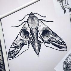 Moth Tattoo Design, Tattoo Designs, Tattoo Sketches, Tattoo Drawings, Blackwork, Anubis Tattoo, Insect Tattoo, Hand Tats, Rose Tattoos