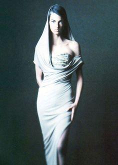 Linda Evangelista by Paolo Roversi  Lanvin, Spring 1990  #PaoloRoversi #LindaEvangelista #Supermodel #90s