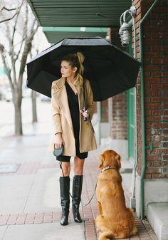 Lluvia: botas supergrandes, paraguas supergrande. Para pasear mejor ;)