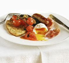 The ultimate makeover: Full English breakfast. Angela Nilsen makes a healthier version of an iconic English meal - without losing the nostalgia. Breakfast Desayunos, Breakfast Recipes, Breakfast Ideas, Brunch, Bbc Good Food Recipes, Bbc Recipes, British Recipes, English Food, Gastronomia