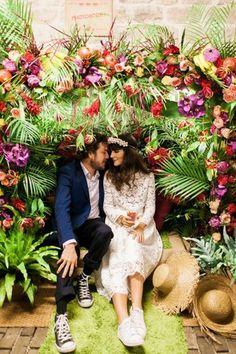 Un décor tropical : Photobooth : 20 idées originales pour votre mariage - Journal des Femmes