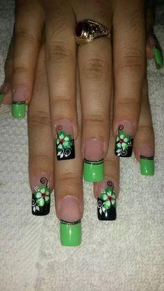 Green Nail Art, Green Nails, Fabulous Nails, Gorgeous Nails, Fingernail Designs, Nail Art Designs, Finger Nail Art, Funky Nails, Pretty Nail Art