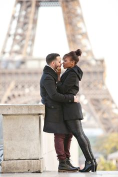 A Perfect Paris Proposal - Munaluchi Bridal Magazine Interracial couples Interacial Love, Interacial Couples, Black Woman White Man, Black And White Love, Black Girls, Mixed Couples, Couples In Love, Romantic Couples, Beautiful Love