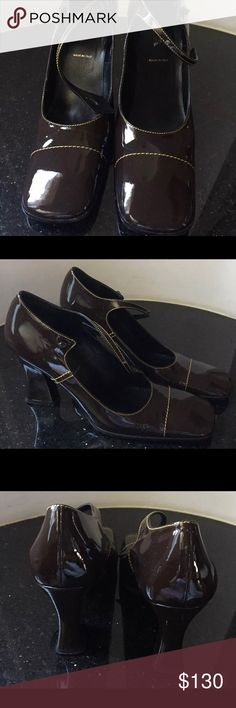 Vintage PRADA Mary Jane Square Toe Patent Sz 10 40 Vintage AUTHENTIC PRADA Mary Jane Square Toe Block Heels Brown Patent Sz 10 40 In great condition, Authentic Prada shoes Prada Shoes Heels