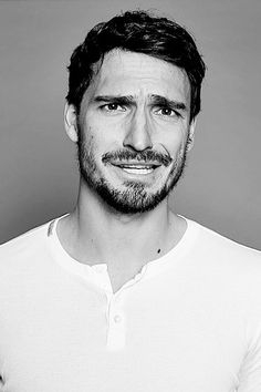 """Mats Hummels in the interview without words : """" Congratulations, you are the most beautiful German national team since Ottmar Walter! German National Team, Mats Hummels, Dfb Team, Running Jokes, First Choice, Beard Care, Football Players, Beautiful Eyes, Male Models"""