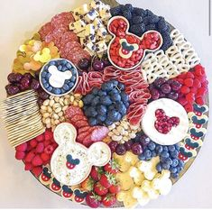 °o° The most magical charcuterie board made by 📷 . Perfect for a Mickey Mouse party or if you just want to add a… Minnie Mouse Party, Mouse Parties, Mickey Mouse, Disney Mickey, Thanksgiving Desserts, Thanksgiving Crafts, Thanksgiving Prayer, Thanksgiving Outfit, Thanksgiving Decorations