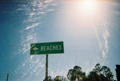 <-- this way 2 the {beach}