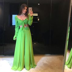 Palazzo Pants Outfit For Work. 14 Budget Palazzo Pant Outfits for Work You Should Try. Palazzo pants for fall casual and boho print. Dress Indian Style, Indian Fashion Dresses, Indian Designer Outfits, Summer Fashion Outfits, Indian Outfits, Indian Wedding Outfits, Designer Dresses, Stylish Dress Designs, Stylish Dresses