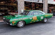 Plymouth Cars, Plymouth Gtx, Vintage Racing, Vintage Cars, Chrysler Valiant, Shelby Gt350r, Dodge Muscle Cars, Nhra Drag Racing, Drag Cars