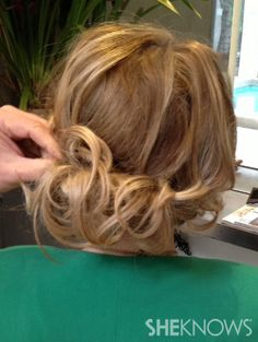 5-minute hairstyles for busy moms - The low, loose bun