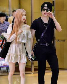 Kpop Couples, Cute Couples, Bts Girlfriends, Iphone Wallpaper Pinterest, Ulzzang Kids, Blackpink And Bts, Fanart, Mamamoo, Bts Jungkook