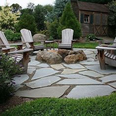 Love this fire pit! when I finally get around to getting the yard all landscaped this is going to be part of it.