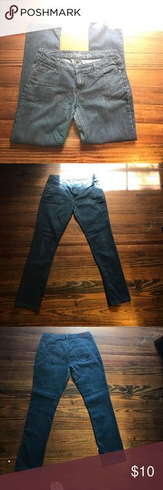 Express Jeans GU Express Jeans. Smoke free dog friendly home. These jeans are worn with very few defects shown in photos. Express Jeans Skinny