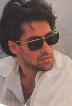 Salman Khan Unmatched Vintage Photos # Collections Of Bollywood Super Star Salman Khan Retro Pics, Retro Face, Body Abs Pack, Dresses. Salman Khan Young, Salman Khan Photo, Shahrukh Khan, Salman Katrina, Salman Khan Wallpapers, Bollywood Pictures, Retro Pictures, Vintage Bollywood, Hit Songs