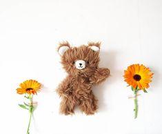 """@mamajuguete on Instagram: """"últimamente el marrón es mi color favorito 🐻 #pelosos #mamajuguete"""" Teddy Bear, Toys, Animals, Instagram, Favorite Color, Activity Toys, Animales, Animaux, Clearance Toys"""