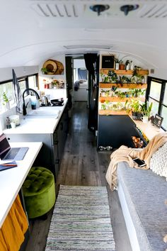 579 Likes, 93 Comments - Tina Bus Living, Tiny House Living, Van Life, Equipement Camping Car, School Bus Tiny House, Converted School Bus, Rv Homes, Camper Renovation, Remodeled Campers