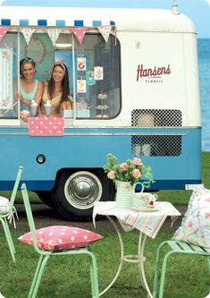 "How sweet!  ""Retro"" Ice Cream Truck"