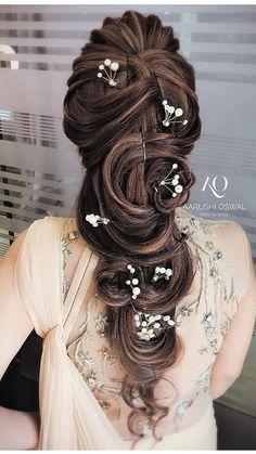 Bridal Hair Buns, Bridal Hairdo, Bridal Makeup Looks, Bridal Hair And Makeup, Indian Wedding Hairstyles, Elegant Hairstyles, Long Hair Wedding Styles, Long Hair Styles, Cool Haircuts For Girls