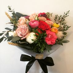 the best way to say HAPPY BIRTHDAY!! #marcheauxfleur #ranunculusbouquet #sgbouquet #bouquets #topfleur #fleursg #bloomdrops #blooms #bouqslove
