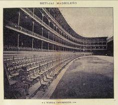 beti jai Madrid Old Pictures, Old Photos, Best Hotels In Madrid, Foto Madrid, Real Madrid, Madrid Travel, Hoya Plants, Brooklyn Bridge, Trip Planning