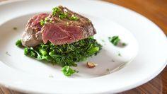 Onglet mariné, kale à la pomme | Recettes | Signé M