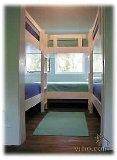 "Obtain great suggestions on ""bunk bed ideas for teens"". They are actually on cal. Obtain great suggestions on ""bunk bed ideas for teens"". They are actually on call for you on our internet site. Bunk Beds Small Room, Bunk Rooms, Cool Bunk Beds, Bunk Beds With Stairs, Kids Bunk Beds, Bedrooms, Loft Spaces, Small Spaces, Small Rooms"