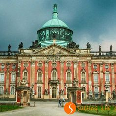 Top 25 Castles and Palaces in Europe – Surfing the Planet -...