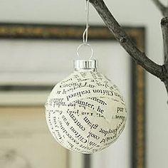 Boule de Noël en papier journal