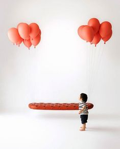 風船で浮かぶベンチ - まとめのインテリア / デザイン雑貨とインテリアのまとめ。