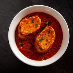 Get Cheesy Tomato Soup Recipe from Food Network soup healthy recipes rezepte soup soup Food Network Recipes, Cooking Recipes, Tofu Recipes, Meal Recipes, Chef Recipes, Pioneer Woman Recipes, Pioneer Women, Tomato Juice, Tomato Tomato