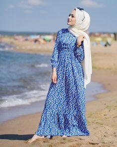 Abaya Fashion, Modest Fashion, Fashion Dresses, Muslim Women Fashion, Islamic Fashion, Modest Dresses, Modest Outfits, Hijab Style Dress, Stylish Hijab