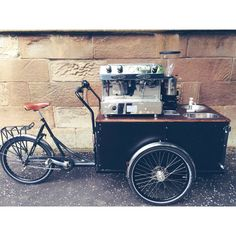 Beardedbarista on the streets of Edinburgh #cargobike #triporteur