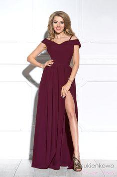 FEMME - Długa suknia z rozcięciem bordowa