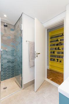 Milhares de imagens, infinitas inspirações para sua casa. Portobello, Lockers, Locker Storage, Divider, New Homes, Shower, Cabinet, Bathroom, Kitchen