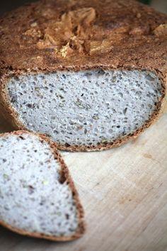 Tento chléb není můj výmysl, ale už ho chvilku peču a stihla jsem něco vychytat. A jelikož vás tento recept poptávalo opravdu hodně, rozhodla jsem se sepsat své poznatky, včetně receptu, do samostatného příspěvku. Bread Bun, Buns, Food, Essen, Meals, Yemek, Po' Boy, Eten, Mixing Bowls