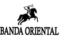Despues de que hablo con su ex esposa Indalencio se fue en su caballo a la Banda Oriental.Dejo a su esposa sin deciar adios por que estava muy lastimado y confundido.