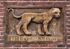 Gevelsteen D LUYPAERT   by Vereniging Vrienden van Amsterdamse Gevelstenen