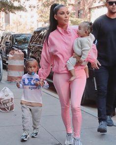 Hitting back: Kim Kardashian has hit back at 'mummy shamers' after she was criticised for an image in which her two-year-old son Saint appeared to be using a dummy Khloe Kardashian, Kardashian Kollection, Kardashian Workout, Estilo Kardashian, Robert Kardashian Jr, Kris Jenner, Kendall Jenner, Teen Choice Awards, Yeezy