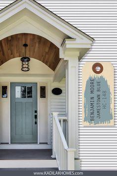 White Farmhouse Exterior, White Exterior Houses, Grey Exterior, House Paint Exterior, Gray Front Door Colors, Exterior Door Colors, White Beach Houses, White Siding, Front Door Makeover