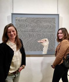 """L'équipe Teatricus à """"L'instabilité du réel"""" à l'@artotheque @loulouizze  @clemencedorlet . . #artotheque #preview #vernissage #mtl #artoptique #mtlmoments #mtlcult #art #painting #artoptique #artist #instaart #festival #montrealcity #artoptique #team #teatricus"""