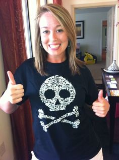 Pirate T-shirt! Make skull pattern using family reunion people's names