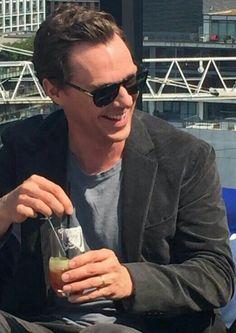 His smile makes me so damn happy Sherlock Poster, Sherlock John, Sherlock Holmes Benedict Cumberbatch, Man Thing Marvel, Doctor Strange, British Actors, In This World, Husband, Tv