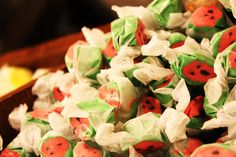 Have you tried Silver Dollar City's taffy? Made fresh daily, this is a tasty treat! Yum! #taffy #Silverdollarcity
