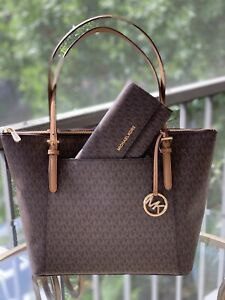 997d6ea9f4a7a9 MICHAEL KORS PVC JET SET LARGE EW TOP ZIP TOTE BAG IN BROWN OR TRIFOLD  WALLET