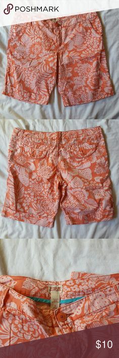 Super Cute NWOT Hawaiian Print Shorts These adorable mossimo shorts have never been worn.  They are a peachy color with a cute cuffed hem and perfect for the warm weather.  Size 15  10 inch inseam 100% cotton Mossimo Supply Co Shorts