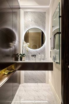 Luxury Bathroom Ideas is extremely important for your home. Whether you choose the Luxury Bathroom Master Baths Marble Counters or Luxury Master Bathroom Ideas Decor, you will make the best Small Bathroom Decorating Ideas for your own life. Modern Powder Rooms, Modern Contemporary Bathrooms, Modern Bathroom Design, Bathroom Interior Design, Classic Bathroom, Contemporary Decor, Minimal Bathroom, Bath Design, Modern Home Design