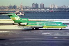 N7290 Boeing 727-27 Braniff International Boeing 727, Boeing Aircraft, Helicopter Plane, Luxury Jets, Commercial Aircraft, Cool Toys, Aviation, Alexander Girard, Helicopters